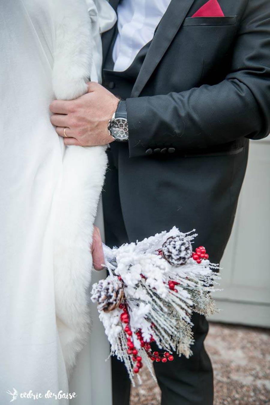 mariage-d'hiver-gilet-cape-fourrure